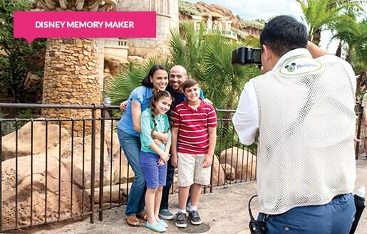 Family using Disney Memory Maker photographer