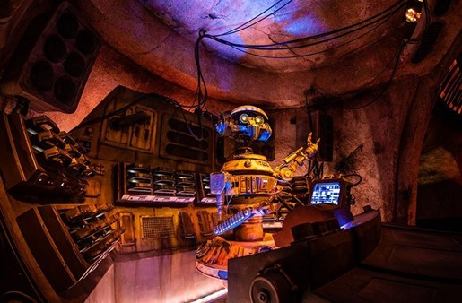 The bar at Oga's Cantina